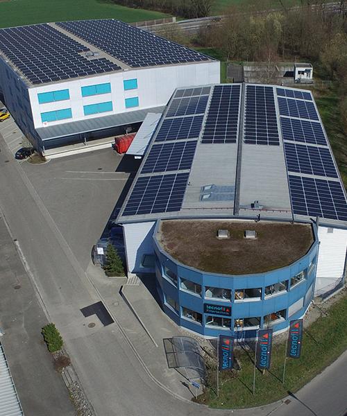 Nachhaltige Produktion Minergie Solaranlage